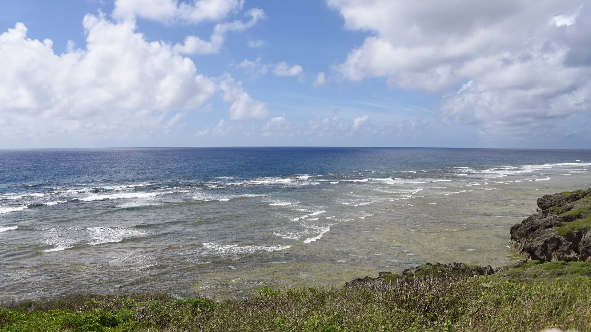 日本一の透明度を誇る波照間島の海の写真