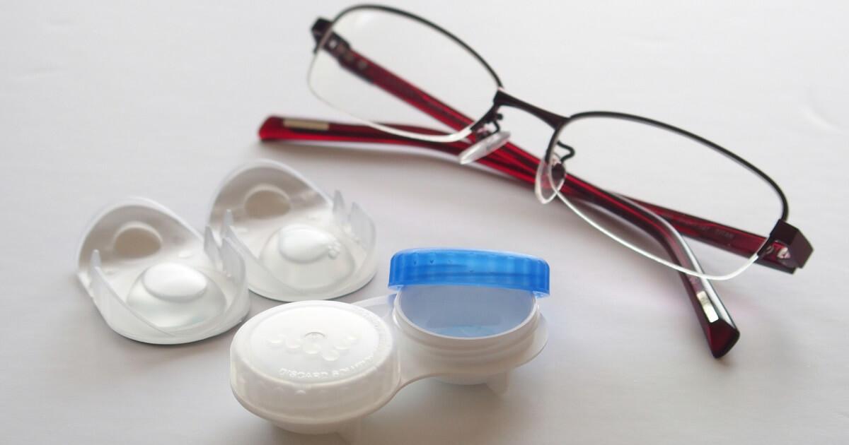 眼鏡(メガネ)とコンタクトレンズの画像